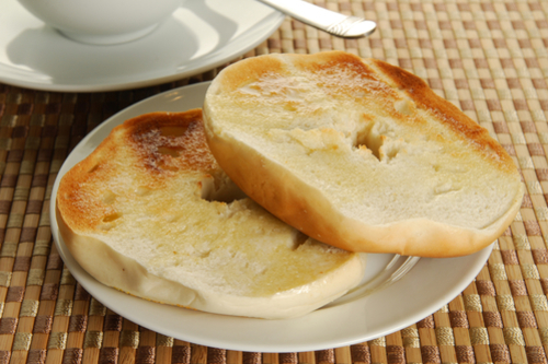 Garlic bread bagel