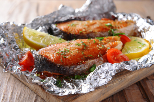 Salmon with tomato and herbs