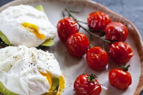 Eggs with tomato and avocado
